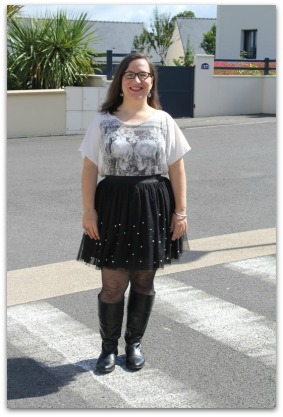 http://www.aufildisa.com/2014/09/french-curves-casual-ballerina.html