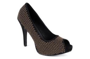 http://www.andypola.es/fr/zapatos-domicilio-a/AM239REMACHESNEGRO/ficha/Escarpins-Simili-Daim-Noir-rivet%C3%A9s-et-Talon-Fin..html