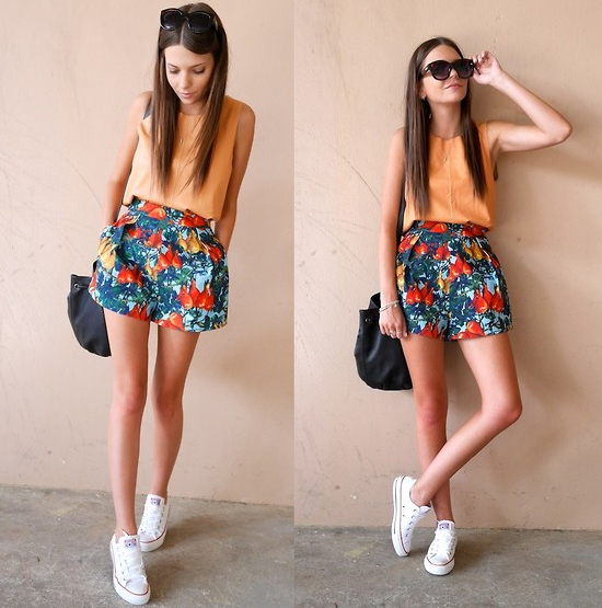 http://lookbook.nu/look/5762929-Cameo-Shorts-Universal-Top-Converse-Shoes