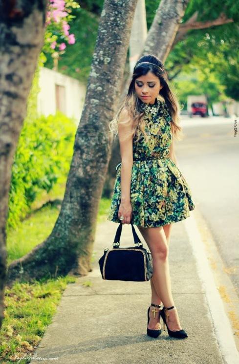 http://www.blogdaleoliveira.com/2014/04/no-look-floral-green.html
